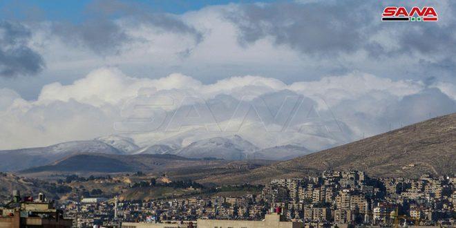 الطقس غداً.. فرصة لهطل زخات رعدية مصحوبة بالبرد وثلوج على المرتفعات